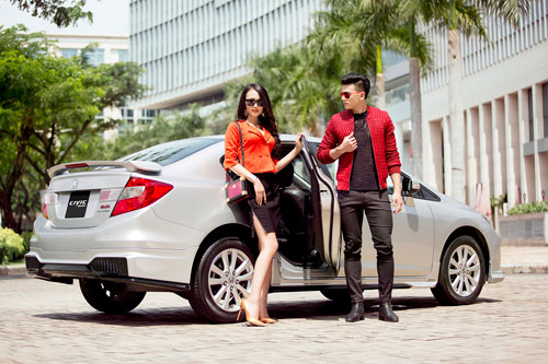 Trai tài, gái sắc cuốn hút bên Honda Civic Modulo - 1