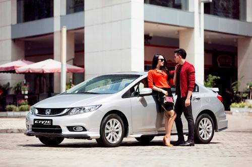 Trai tài, gái sắc cuốn hút bên Honda Civic Modulo - 2