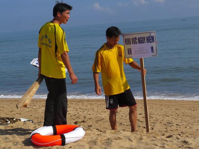 Cá lạ khổng lồ bơi dọc biển Tuy Hòa, cảnh báo nguy hiểm - 2
