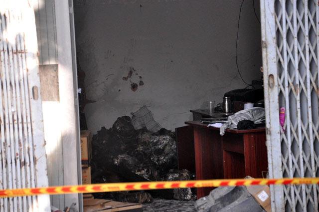 TPHCM: Xưởng dệt bốc cháy, 5 người thương vong - 6