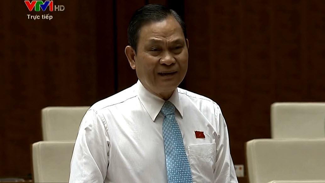 Trả lời dài dòng, Bộ trưởng Nội vụ liên tục bị nhắc nhở - 1