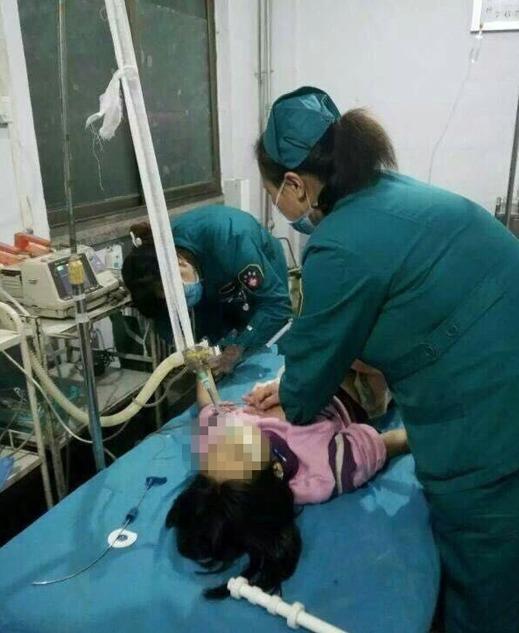 Bé gái nghi bị mẹ đánh chết vì học kém - 2