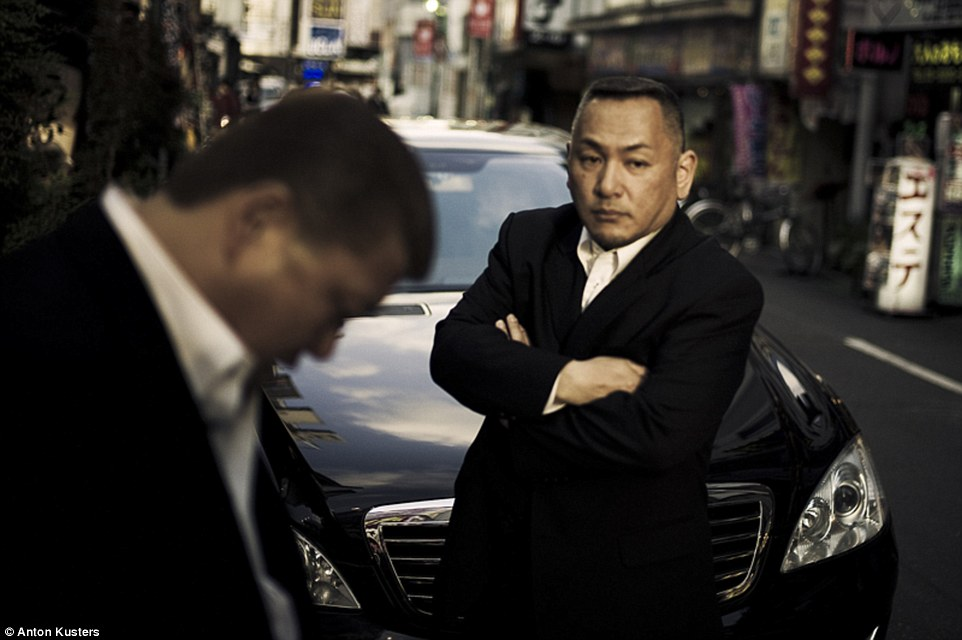 Trùm mafia Nhật Bản bị trói, đánh đập đến chết - 2