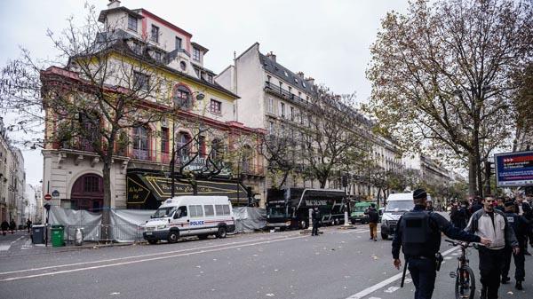 Cha kẻ đánh bom tự sát ở Paris từng tới Syria can con - 3
