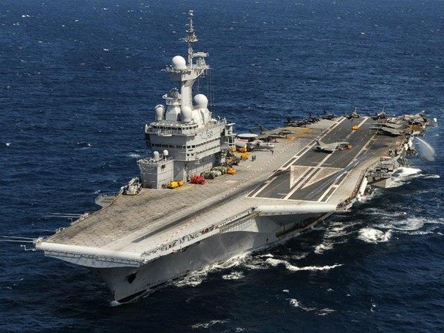 Sức mạnh tàu sân bay hạt nhân Pháp điều đi tiêu diệt IS - 1