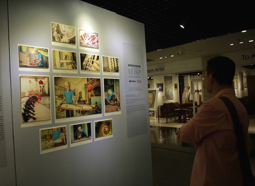 Triển lãm tranh về những nét đẹp trong đời sống người Việt - 4