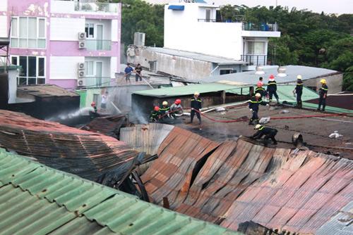 Xưởng tôm đông lạnh cháy dữ dội sau nhiều tiếng nổ - 3