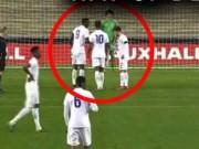Video bóng đá hot - Bi hài: Oẳn tù tì tranh sút 11m rồi đá ra ngoài