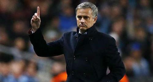 Nội tình Chelsea: Mourinho càng vá, càng rách - 2