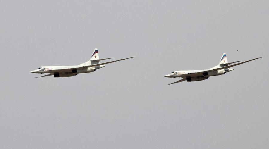 Máy bay ném bom tầm xa Nga lần đầu oanh tạc IS ở Syria - 1