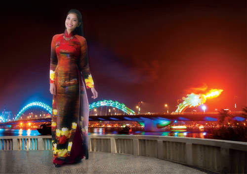 Trương Thị May rạng rỡ trong tà áo dài - 2