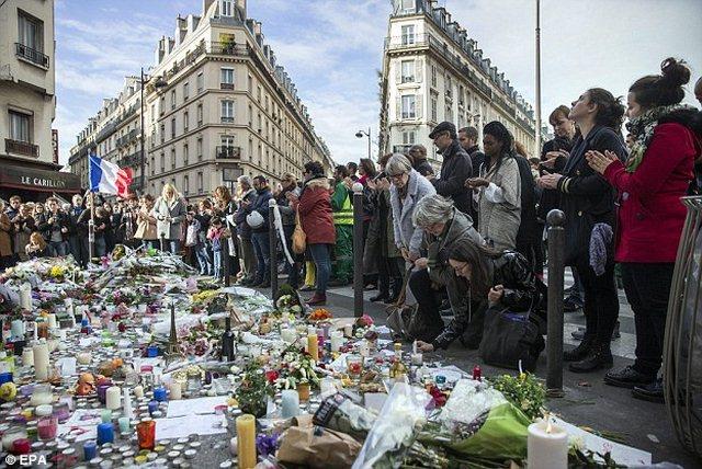Charlie Hebdo vẽ tranh biếm đầu tiên sau vụ khủng bố Pháp - 3