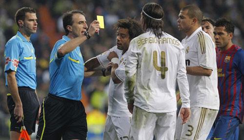 """Lộ trọng tài bắt El Clasico: Real """"mếu"""", Barca """"cười"""" - 1"""