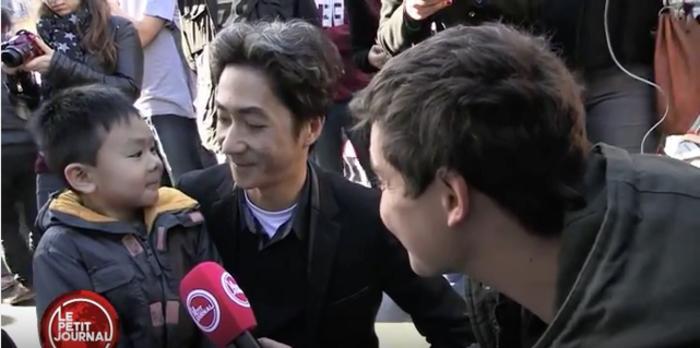 Khủng bố ở Paris: Cha con gốc Việt khiến nhiều người bật khóc - 2