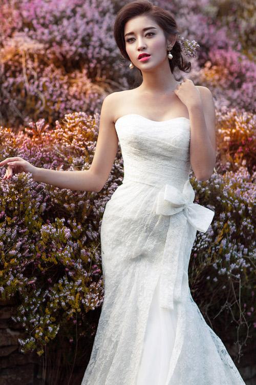 Á hậu Huyền My gợi cảm với váy cưới ở trời Tây - 5