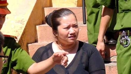 Vợ bí thư xã giết người xù nợ lãnh thêm 5 năm tù - 1