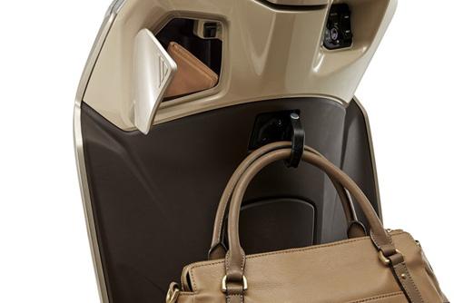 5 lý do khiến phái đẹp phải xiêu lòng trước Honda LEAD - 4