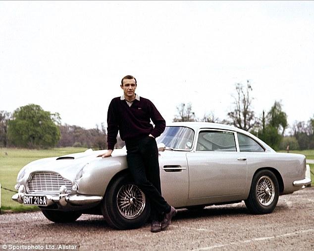 """Bật mí về dàn siêu xe """"thuần Anh quốc"""" trong phim 007 - 6"""