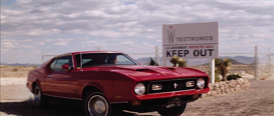 """Bật mí về dàn siêu xe """"thuần Anh quốc"""" trong phim 007 - 14"""