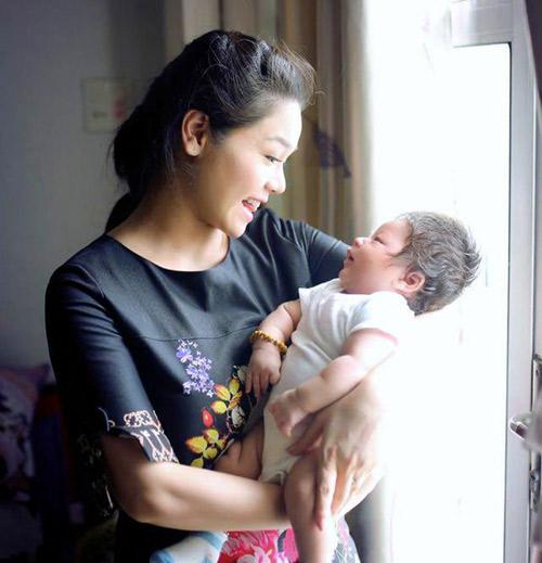 Nhật Kim Anh không còn muốn giấu hình ảnh con trai - 3