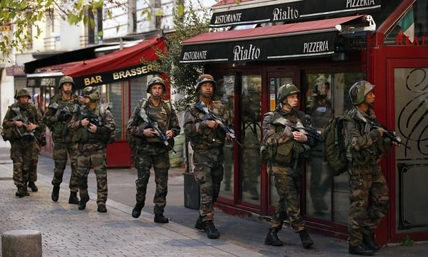 Cảnh sát đấu súng một mất một còn với khủng bố Paris - 3