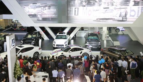 Các đơn vị nhập xe hơi ở Việt Nam kêu cứu - 1