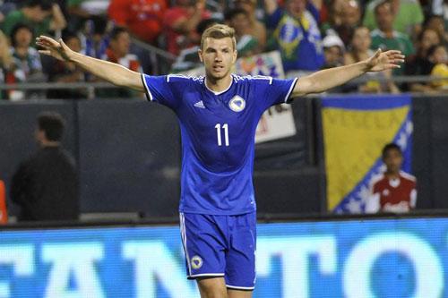 """Đội hình những ngôi sao """"lỡ hẹn"""" với VCK EURO 2016 - 11"""