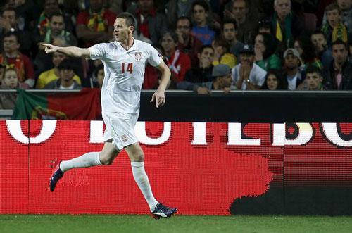 """Đội hình những ngôi sao """"lỡ hẹn"""" với VCK EURO 2016 - 7"""