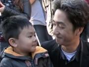 Thế giới - Khủng bố ở Paris: Cha con gốc Việt khiến nhiều người bật khóc