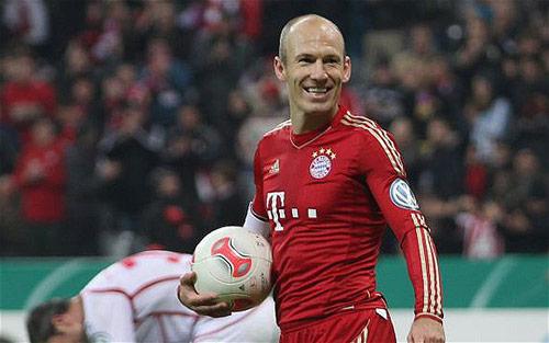 150 triệu bảng, MU sẵn sàng đón Robben và Bale - 1