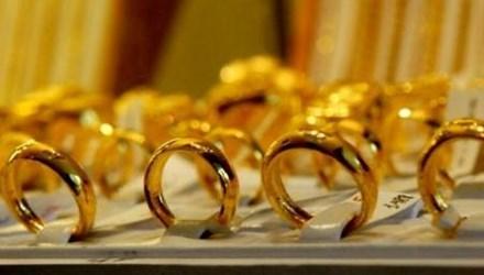 Giá vàng hôm nay (19/11) tăng nhẹ, tỷ giá USD neo sát trần - 1