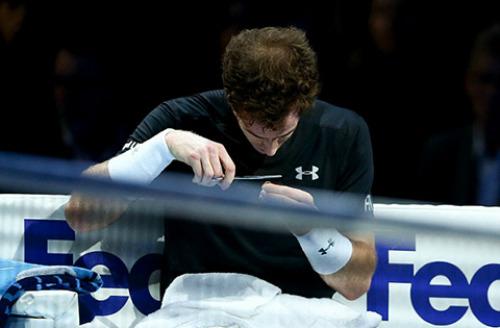 Đánh tệ trước Nadal, Murray cắt tóc ngay trên sân - 3