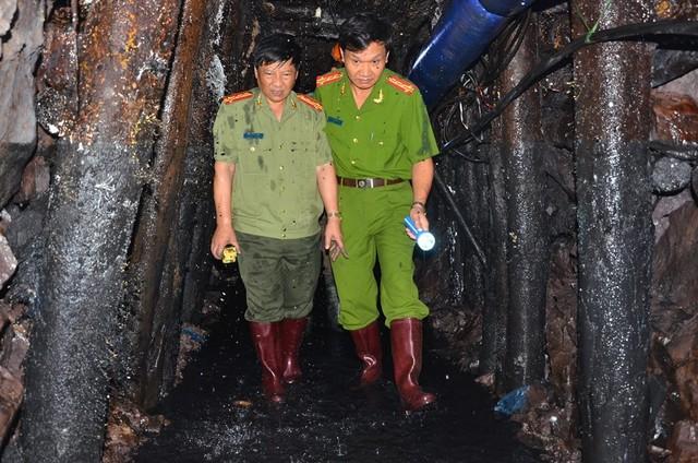 Sập lò than: Hối hả cứu người mắc kẹt ở độ sâu 700m - 1