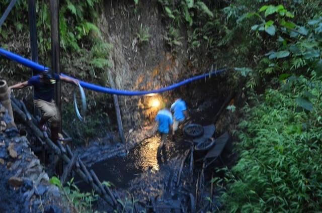 Sập lò than: Hối hả cứu người mắc kẹt ở độ sâu 700m - 5