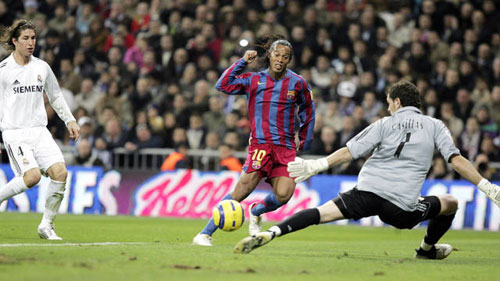 """Ronaldinho: Nghệ sỹ """"số 1"""" ở sân khấu Kinh điển - 1"""