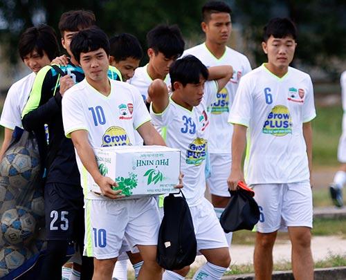 Chờ đấu U19 Hàn Quốc, Công Phượng tươi hết cỡ - 1