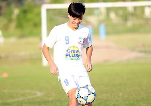 Chờ đấu U19 Hàn Quốc, Công Phượng tươi hết cỡ - 2