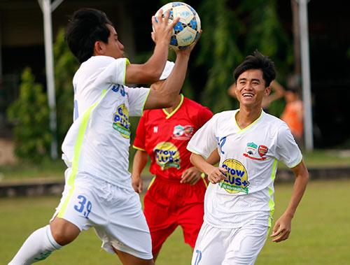 Chờ đấu U19 Hàn Quốc, Công Phượng tươi hết cỡ - 3