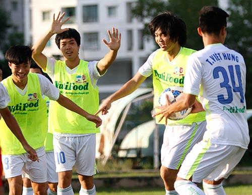 Chờ đấu U19 Hàn Quốc, Công Phượng tươi hết cỡ - 6