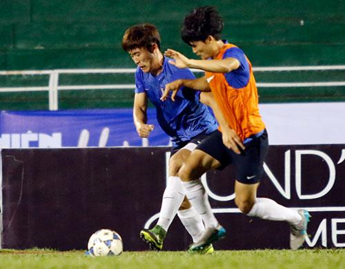 Chờ đấu U19 Hàn Quốc, Công Phượng tươi hết cỡ - 9