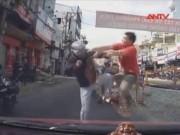 Video An ninh - Những pha hỗn chiến kinh hoàng sau va chạm giao thông
