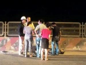 An ninh Xã hội - Bị đánh tới tấp, tài xế quỳ lạy van xin trên Quốc lộ 1A