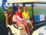 Thể thao - Bóng hồng chơi golf và những sắc màu rực rỡ