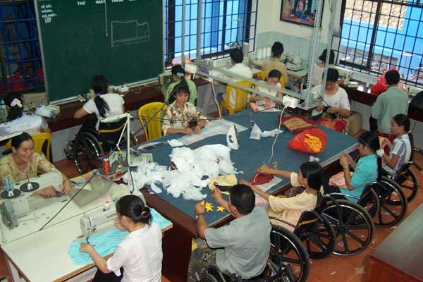 Ưu đãi cho giáo viên dạy người khuyết tật - 1