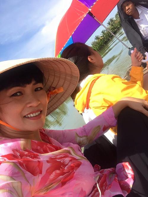 Facebook sao 20/11: Quốc Cường khoe gia đình hạnh phúc - 7