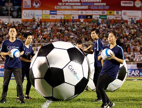 Sân Thống Nhất dậy sóng vì Công Phượng & U21 HAGL - 2