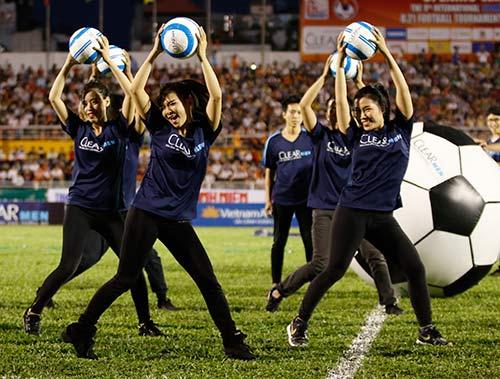 Sân Thống Nhất dậy sóng vì Công Phượng & U21 HAGL - 3