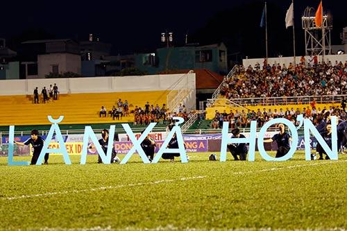 Sân Thống Nhất dậy sóng vì Công Phượng & U21 HAGL - 4