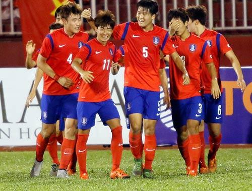 Sân Thống Nhất dậy sóng vì Công Phượng & U21 HAGL - 7