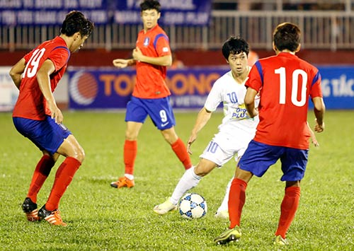 Sân Thống Nhất dậy sóng vì Công Phượng & U21 HAGL - 10